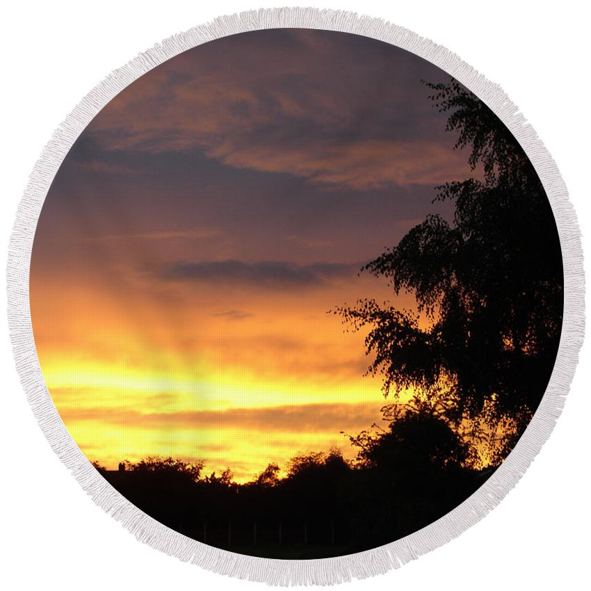 Sunset Round Beach Towel featuring the photograph Golden Sunset 3 by Carol Lynch