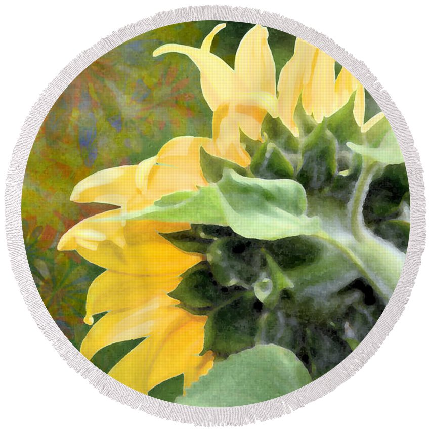 Sunflower Round Beach Towel featuring the photograph Goodmorning Sunflower by Elaine Berger