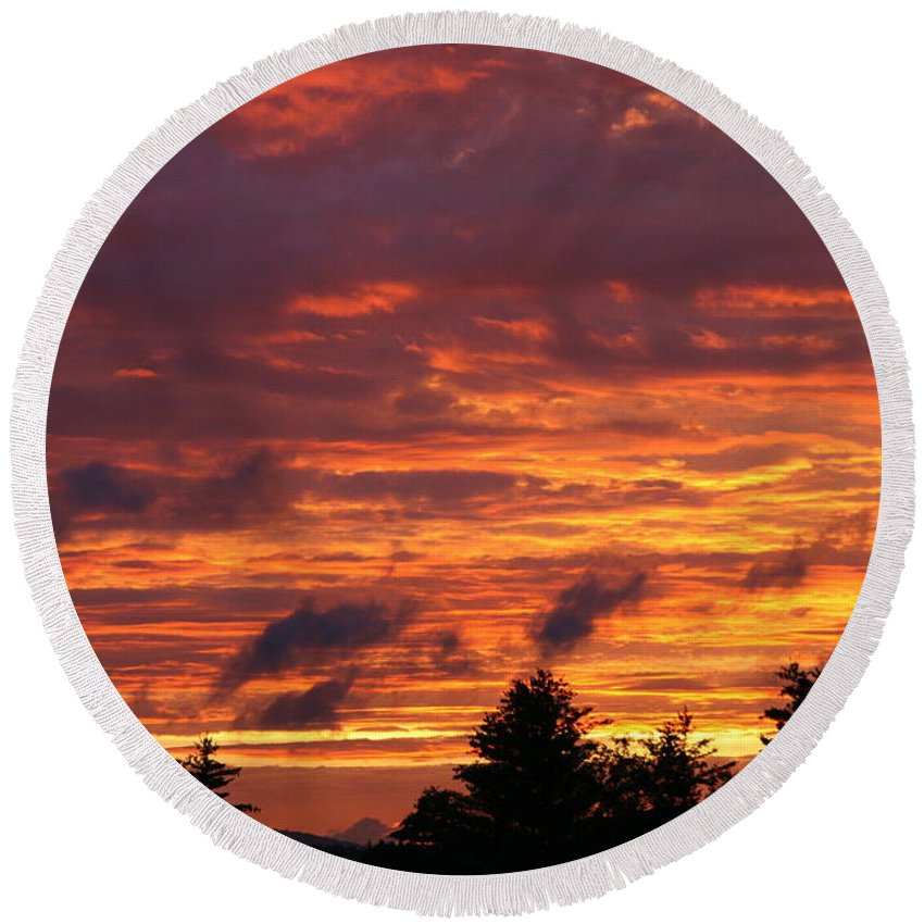 Sunset Round Beach Towel featuring the photograph Gorham Sunset After Rain by Neal Eslinger