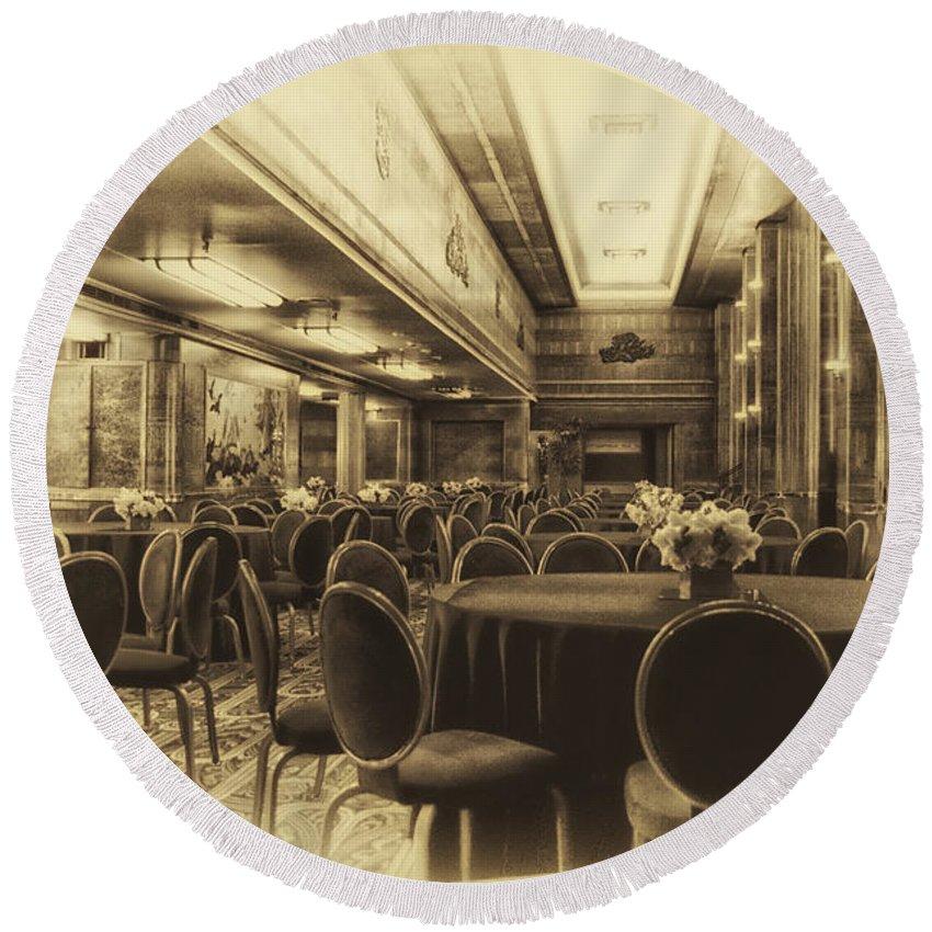 Queen Mary Round Beach Towel featuring the photograph Grand Salon 05 Queen Mary Ocean Liner Heirloom by Thomas Woolworth
