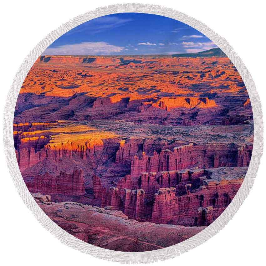 Grand View Point Round Beach Towel featuring the photograph Grand View Point Evening Panorama by Greg Norrell