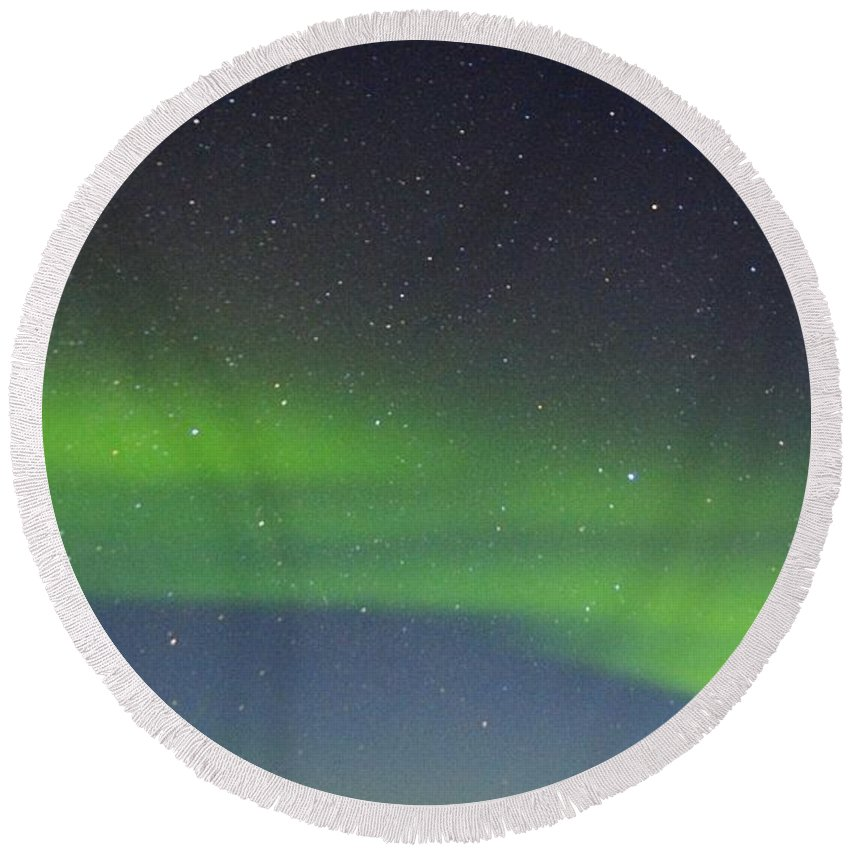 Alaska Aurora Borealis Round Beach Towel featuring the photograph Green Dancing Lady 14 by Phyllis Spoor