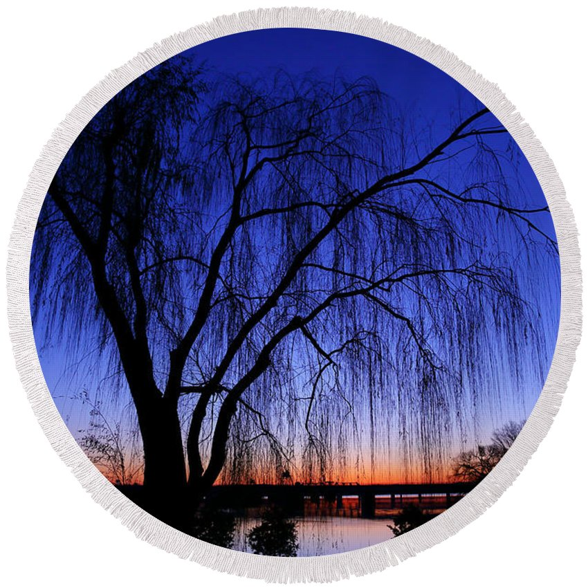 Metro Round Beach Towel featuring the photograph Hanging Tree Sunrise by Metro DC Photography