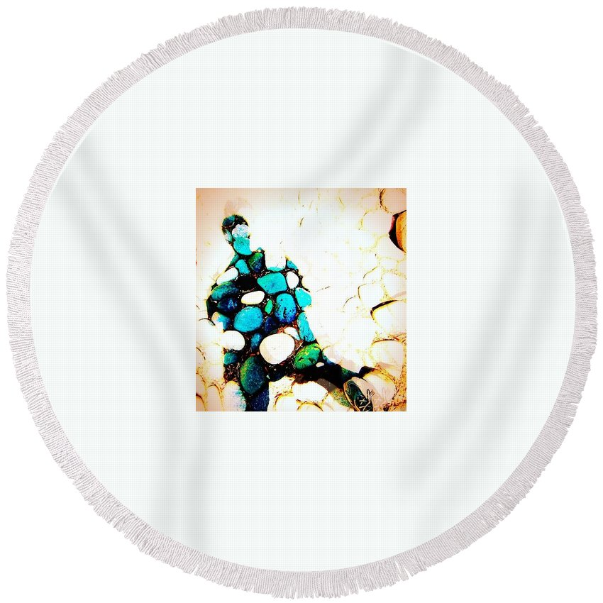 Shoe Round Beach Towel featuring the photograph Hard Rock Selfie by David Coleman