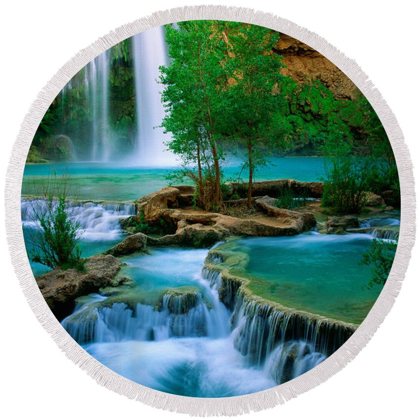 America Round Beach Towel featuring the photograph Havasu Canyon by Inge Johnsson
