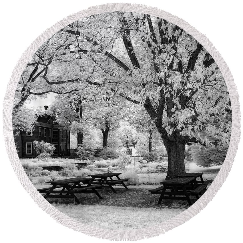 Ir Round Beach Towel featuring the photograph Have A Picnic by Claudia Kuhn