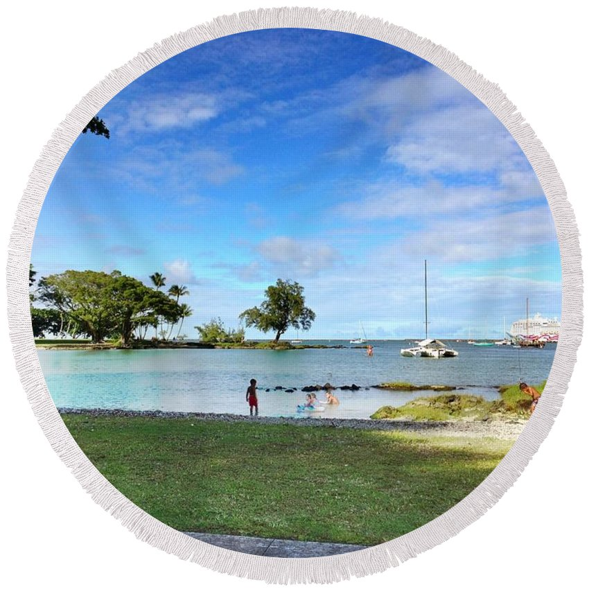 Hawaiian Landscape Round Beach Towel featuring the digital art Hawaiian Landscape 6 by D Preble