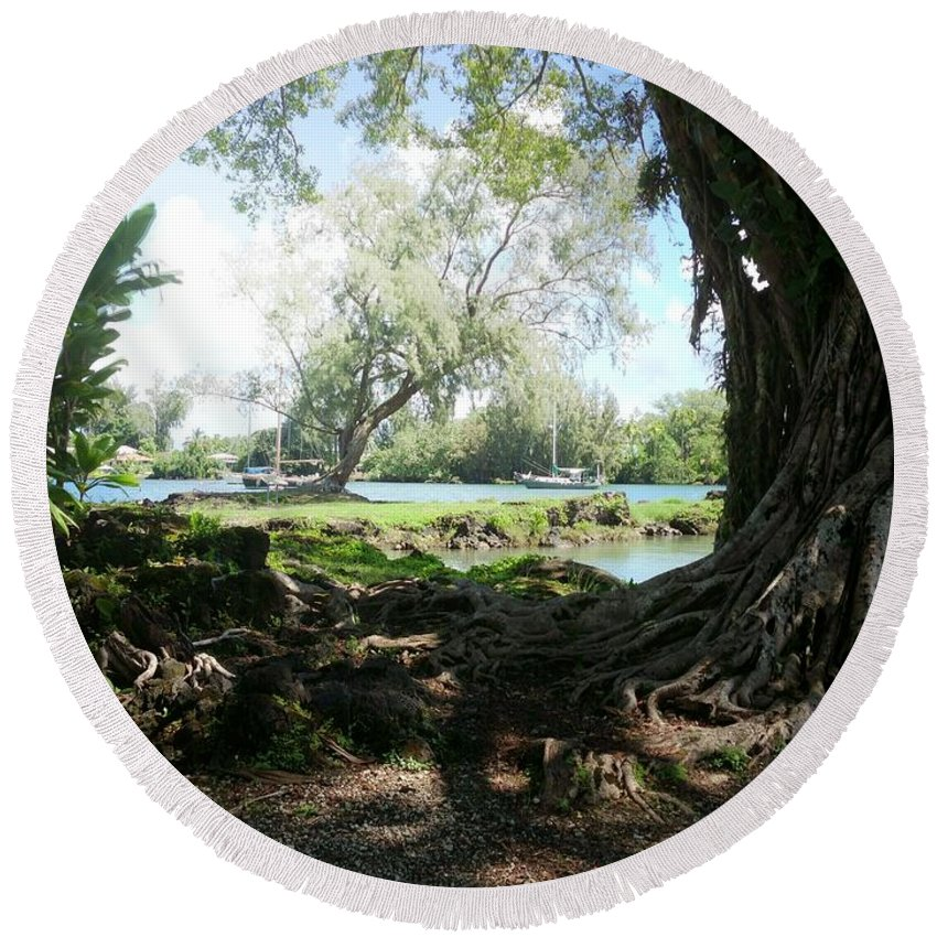 Hawaiian Landscape Round Beach Towel featuring the digital art Hawaiian Landscape 3 by D Preble
