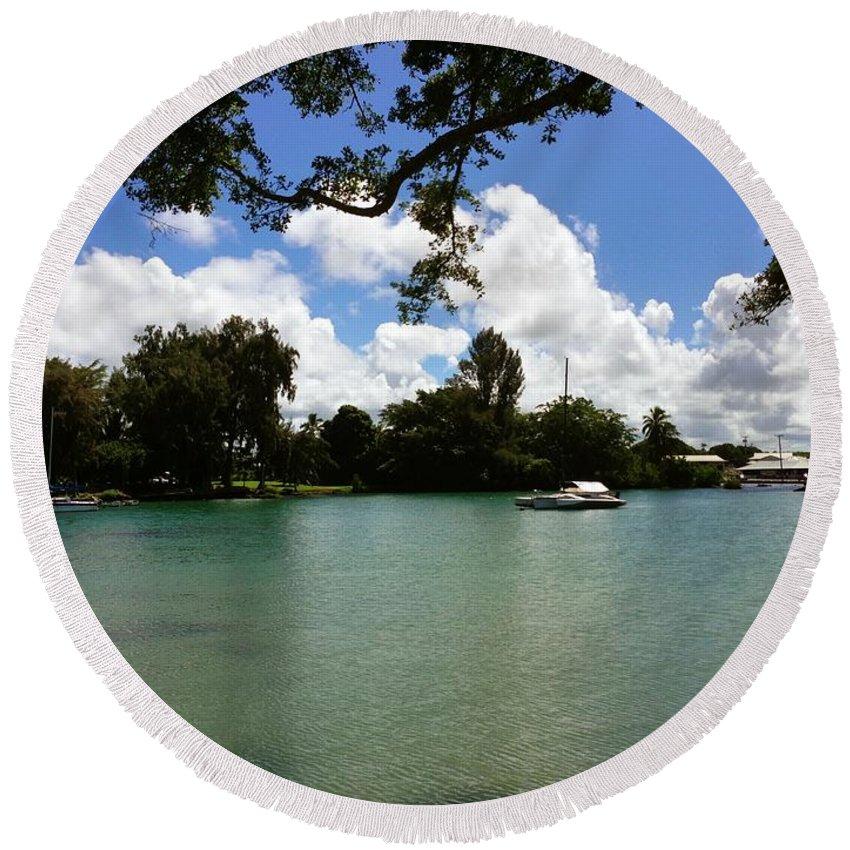Hawaiian Landscape Round Beach Towel featuring the digital art Hawaiian Landscape 2 by D Preble