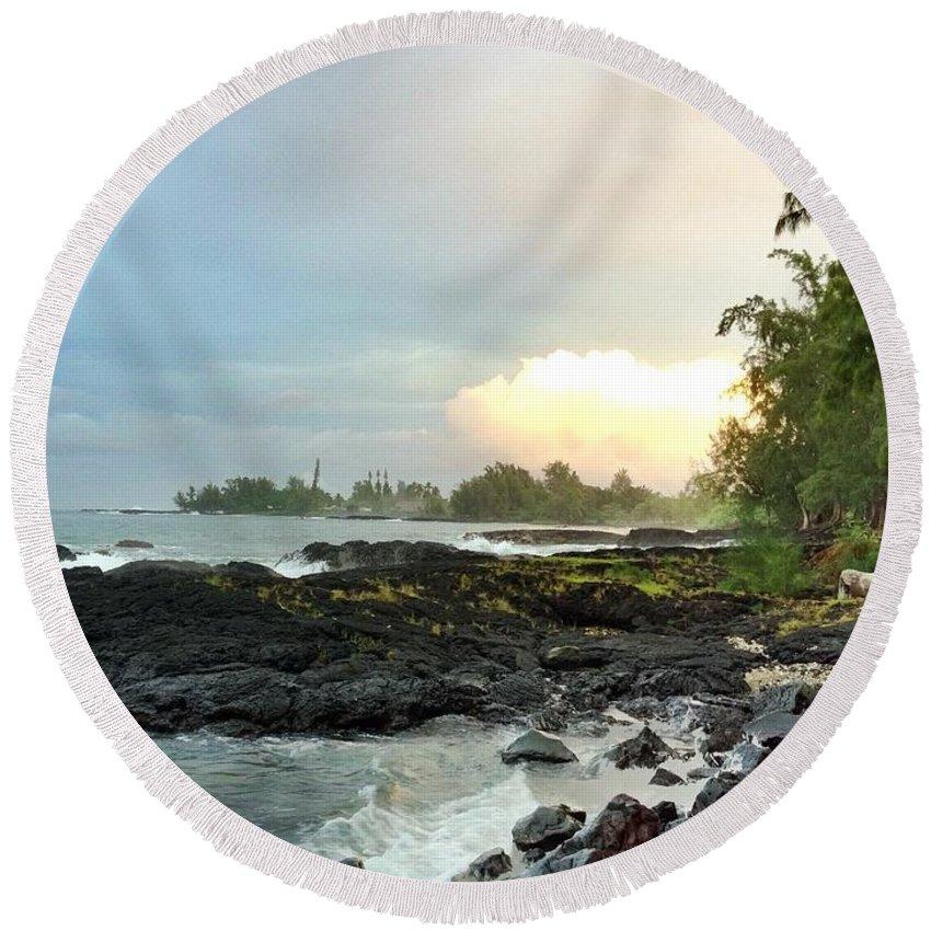 Hawaiiana Round Beach Towel featuring the photograph Hawaiian Landscape 17 by D Preble