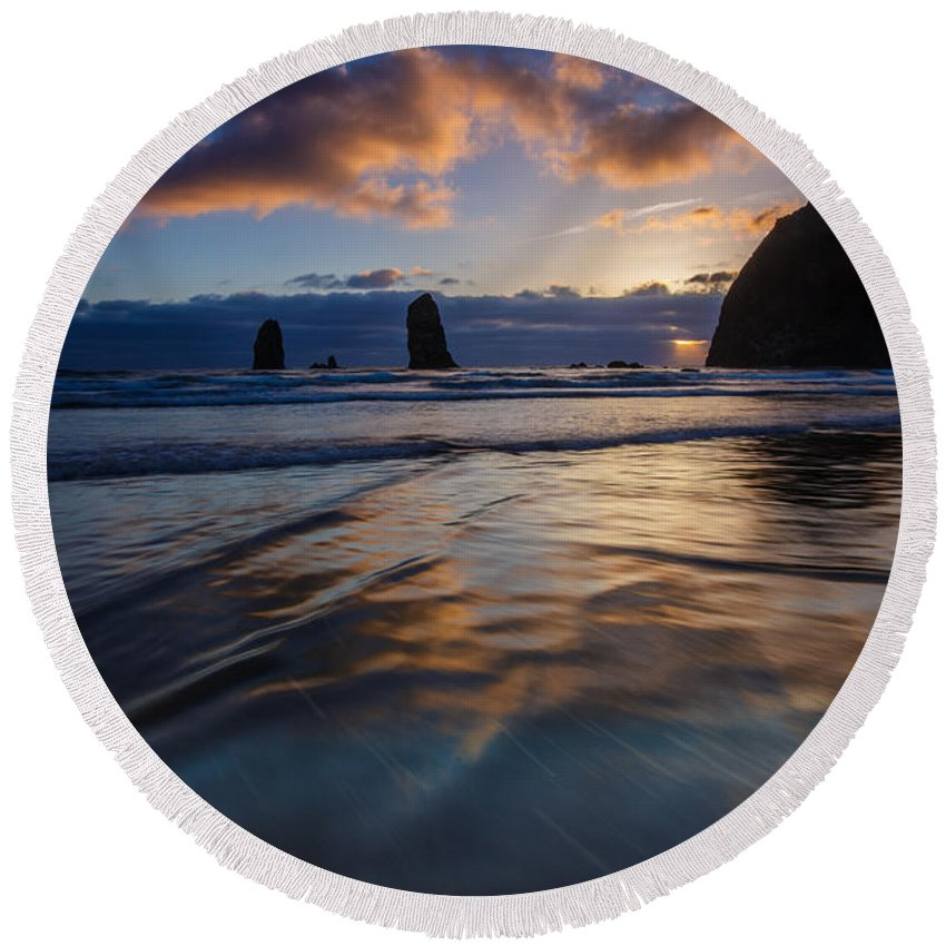 Oregon Round Beach Towel featuring the photograph Haystack Rock And The Needles by Rick Berk