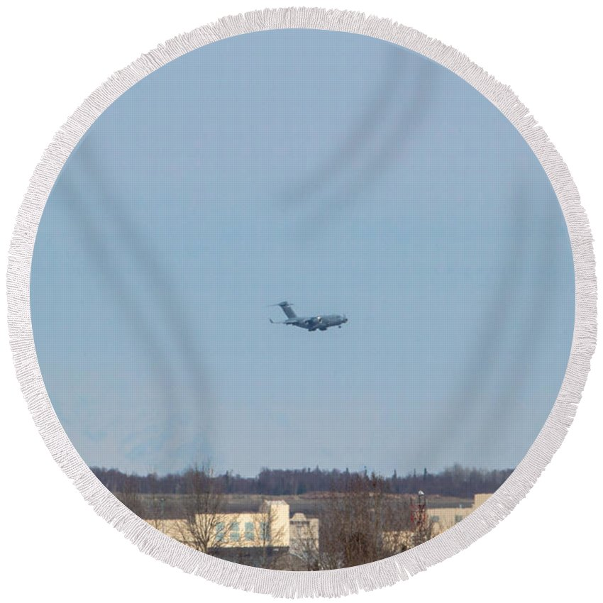 Boeing C-17 Globemaster Iii Round Beach Towel featuring the photograph Heavy Lifters by Thomas Sellberg