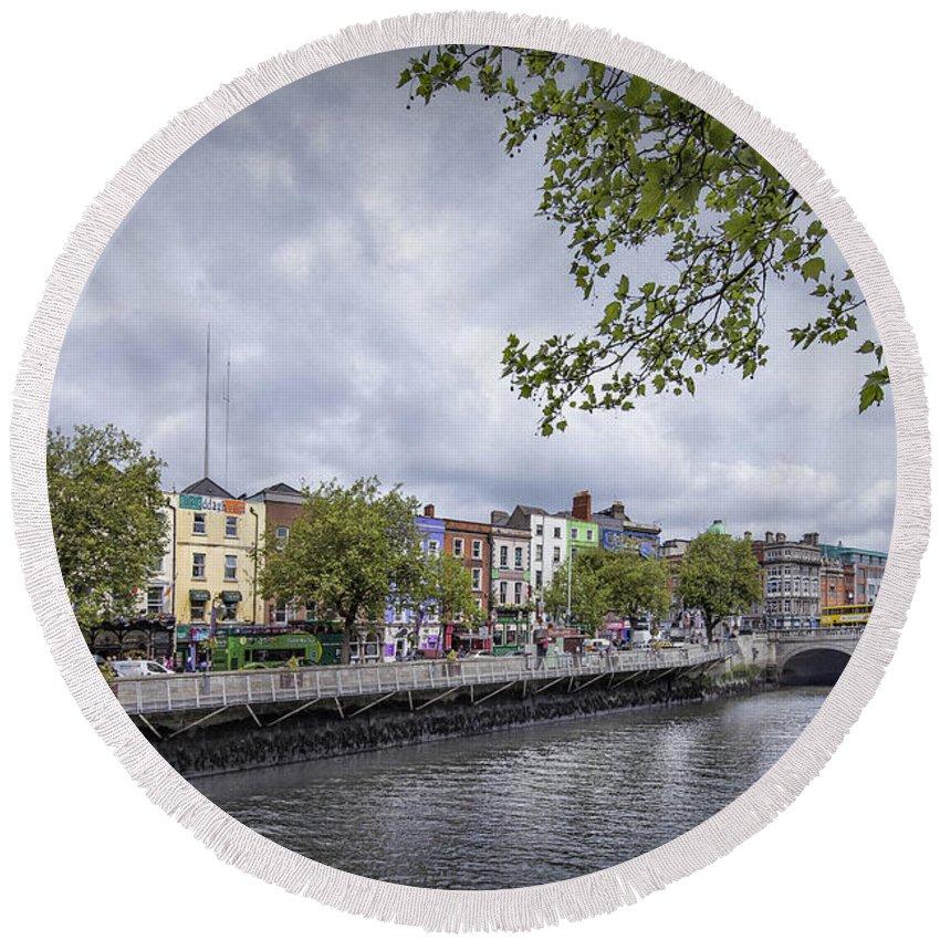 Dublin Round Beach Towel featuring the photograph Hello Dublin by Evelina Kremsdorf