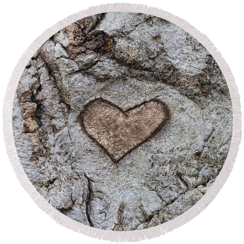 Carve Round Beach Towel featuring the photograph Here Is My Heart by Diane Macdonald