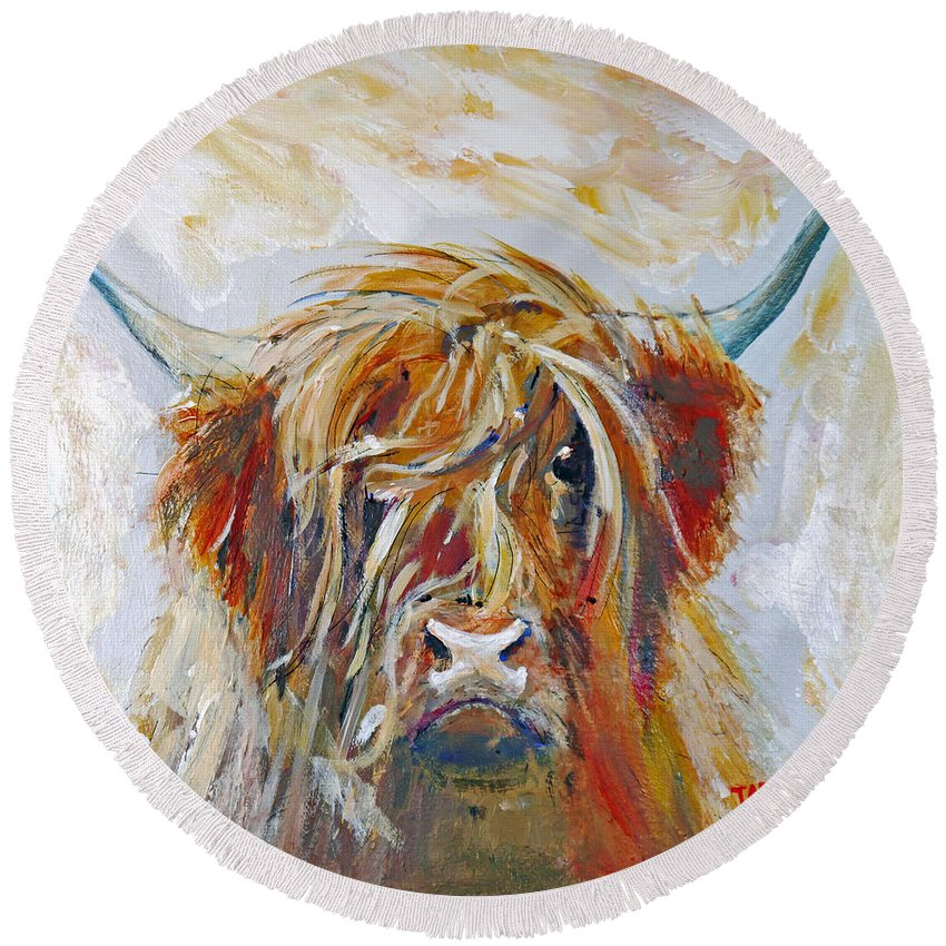 Highland Cow Round Beach Towel featuring the painting Highland Cow by Peter Tarrant