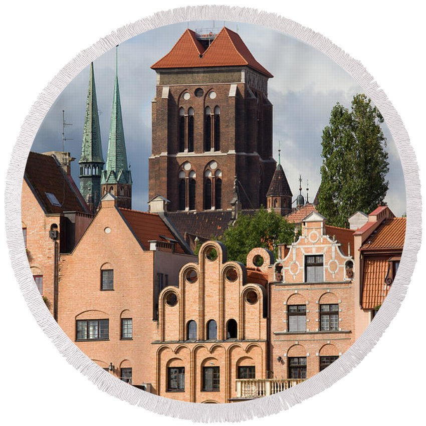 Apartment Round Beach Towel featuring the photograph Historic Houses In Gdansk by Artur Bogacki