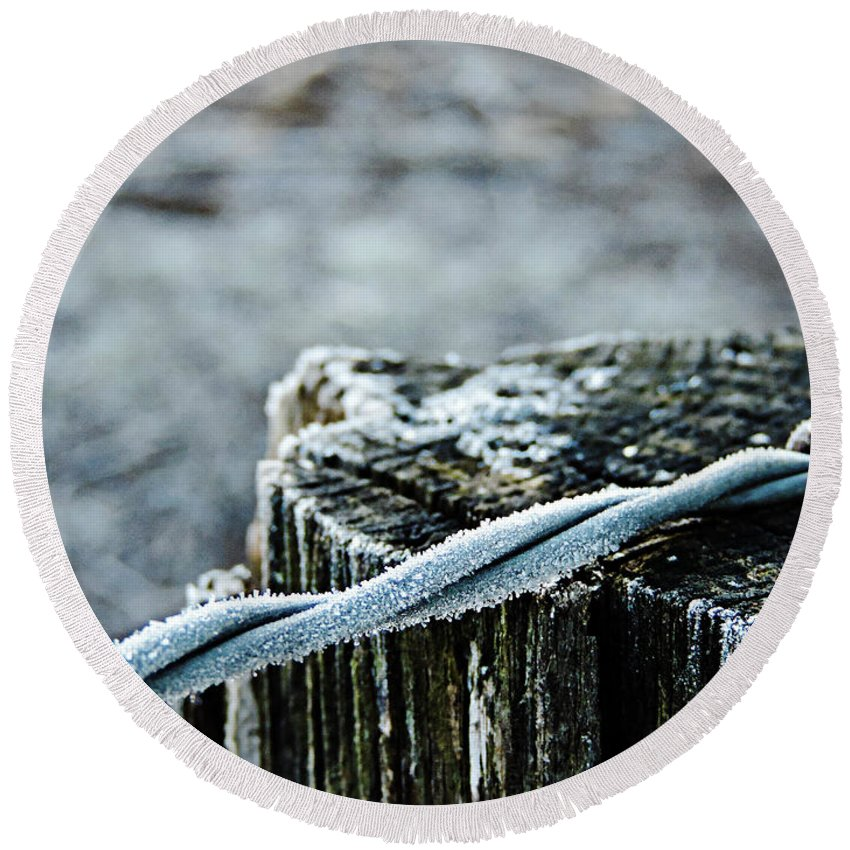 Hoarfrost Round Beach Towel featuring the photograph Hoar Frost At Sun Up by Roe Rader