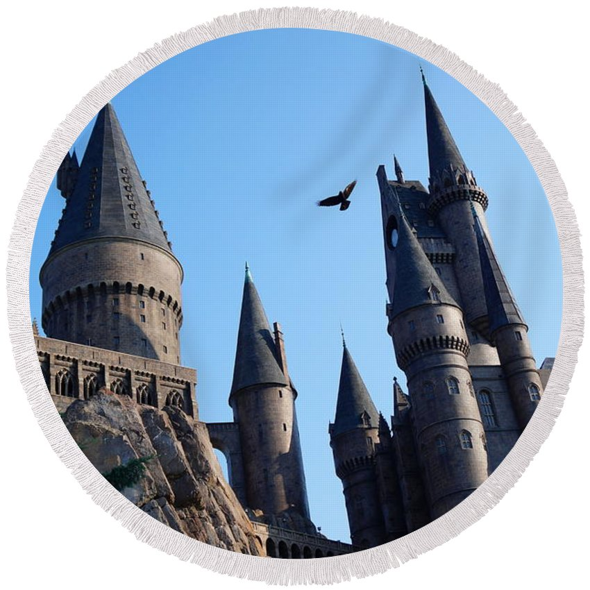 Round Beach Towel featuring the photograph Hogwarts Castle by Ronald Chacon