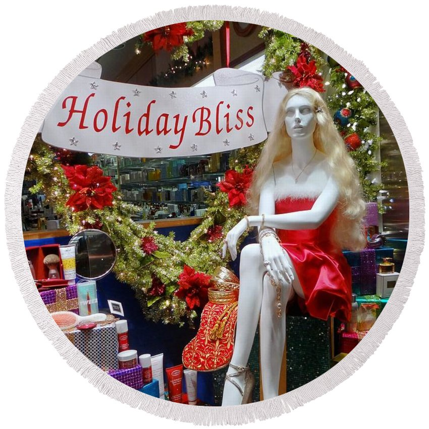 Mannequin Round Beach Towel featuring the photograph Holiday Bliss by Ed Weidman