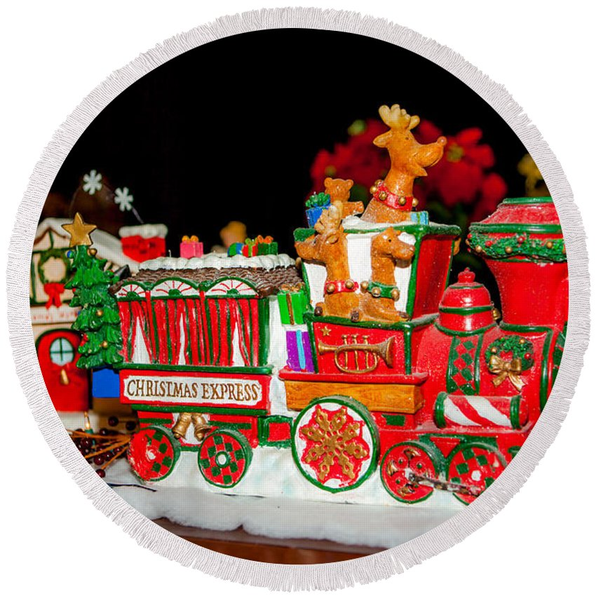 2012 Round Beach Towel featuring the photograph Holiday Express by Melinda Ledsome