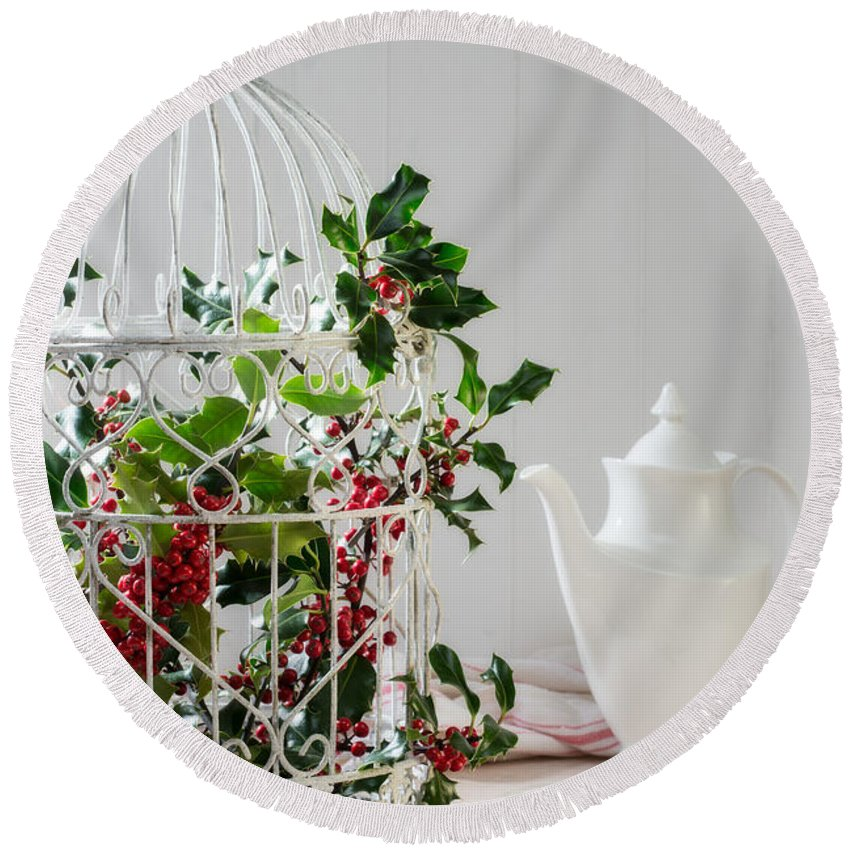 Christmas Round Beach Towel featuring the photograph Holly And Berries Birdcage by Amanda Elwell