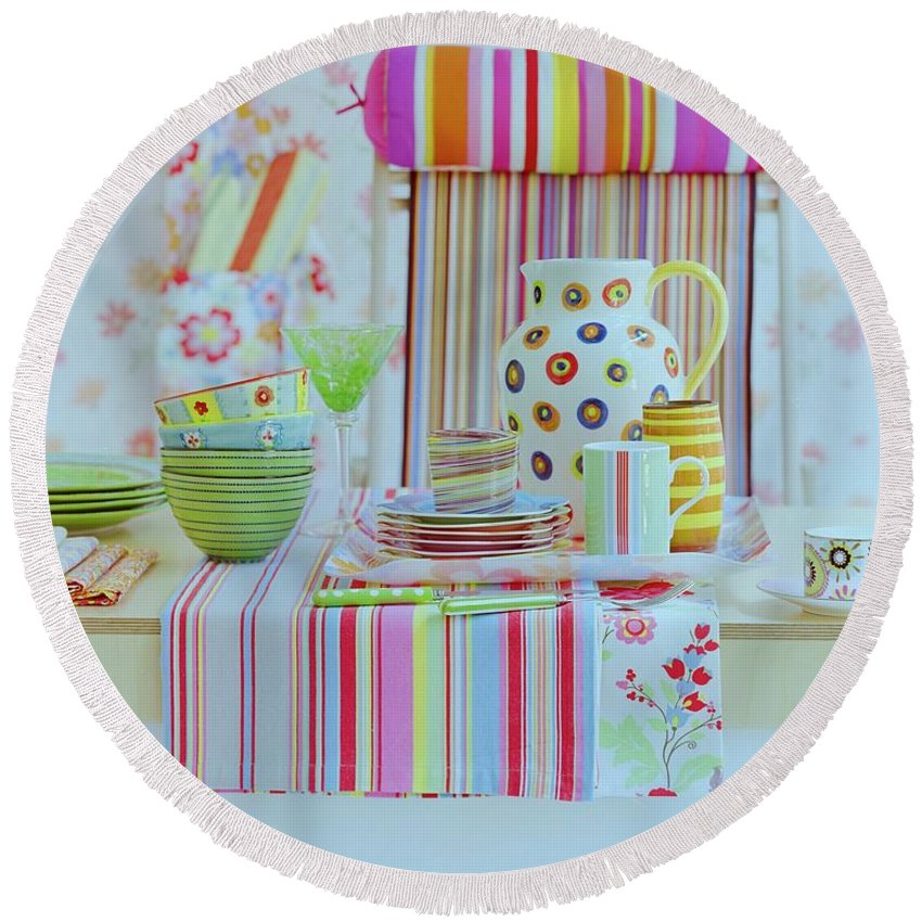 Kitchen Round Beach Towel featuring the photograph Home Accessories by Romulo Yanes