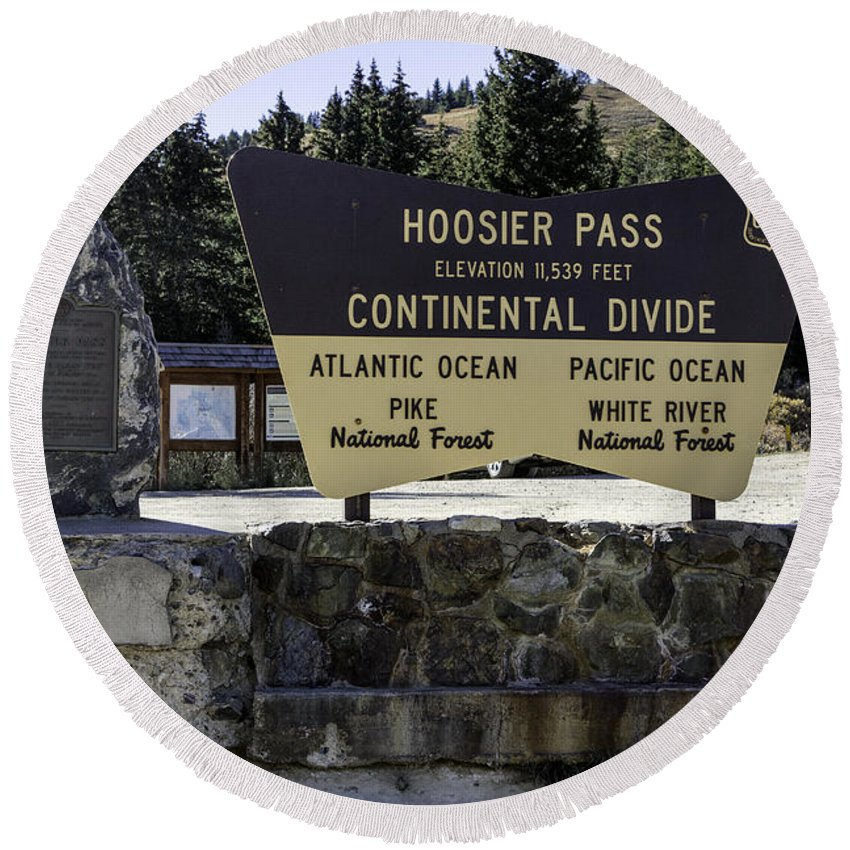 Colorado Round Beach Towel featuring the photograph Hoosier Pass by Jerry Fornarotto