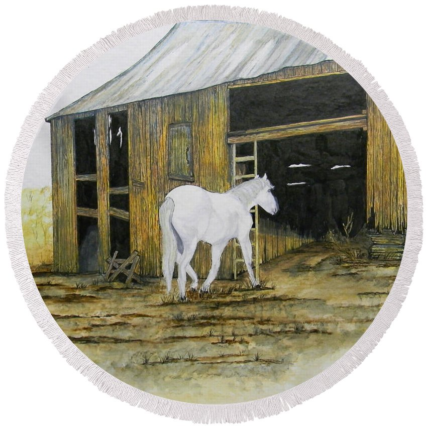 Horse Round Beach Towel featuring the painting Horse And Barn by Bertie Edwards