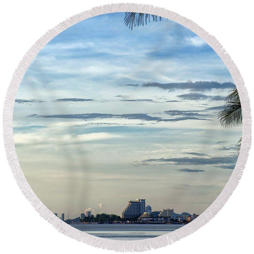 Hotels Round Beach Towel featuring the photograph Hua Hin Coastline 02 by Antony McAulay