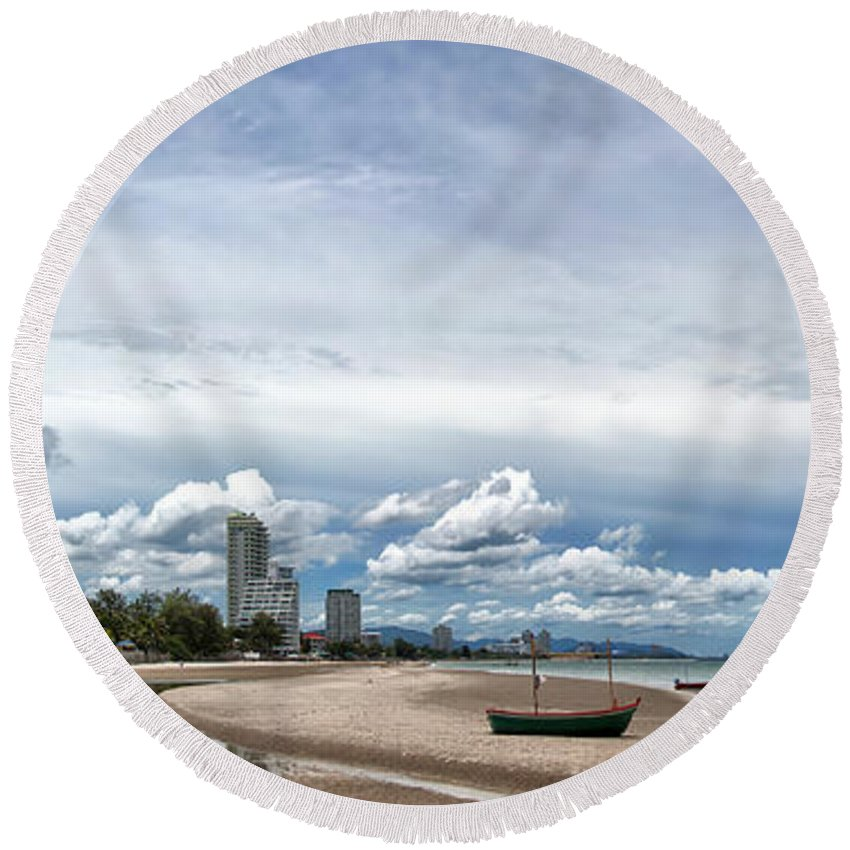 Hotels Round Beach Towel featuring the photograph Hua Hin Coastline by Antony McAulay