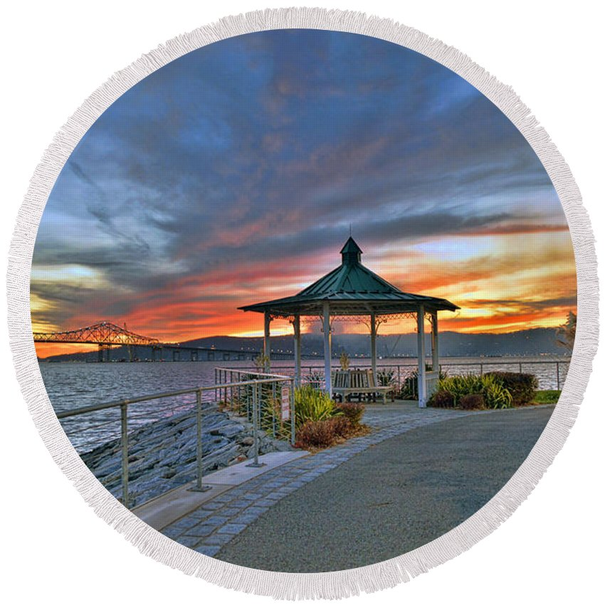 'hudson River Round Beach Towel featuring the photograph Hudson River Fiery Sky by Jeffrey Friedkin