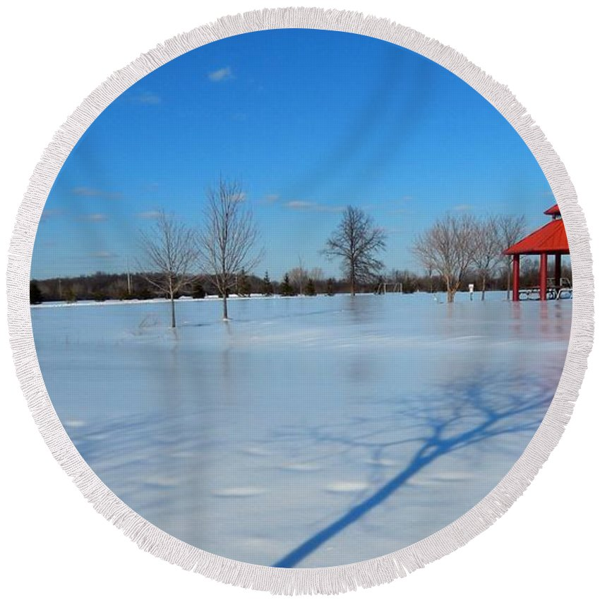 Deep Round Beach Towel featuring the photograph Ice On Snow by Susan Wyman