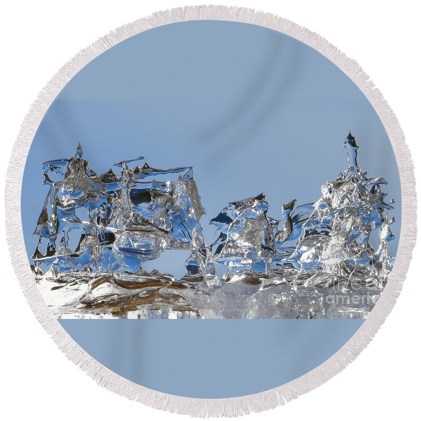 Ice Round Beach Towel featuring the photograph Ice Ships by Joy McAdams