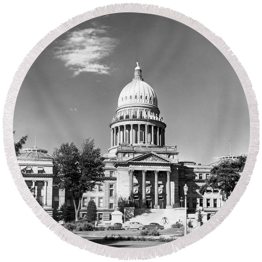 1953 Round Beach Towel featuring the photograph Idaho State Capitol Building by Underwood Archives