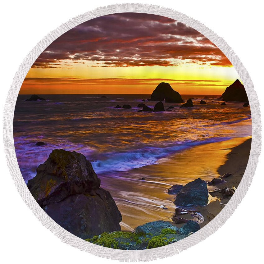 Ocean Round Beach Towel featuring the photograph Sunset 6 by Ingrid Smith-Johnsen
