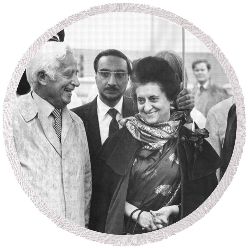 1961 Round Beach Towel featuring the photograph Indira Gandhi At Jfk Airport by Underwood Archives