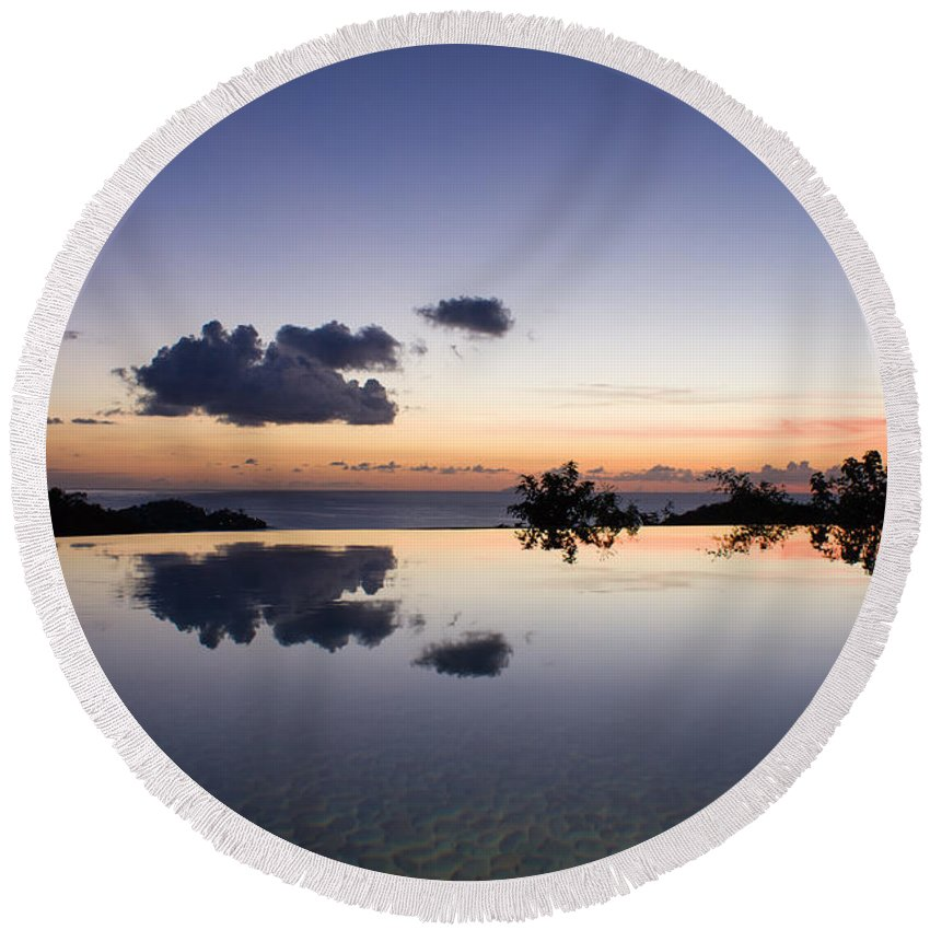 Antigua And Barbuda Round Beach Towel featuring the photograph Infinity Reflection Pool by Ferry Zievinger