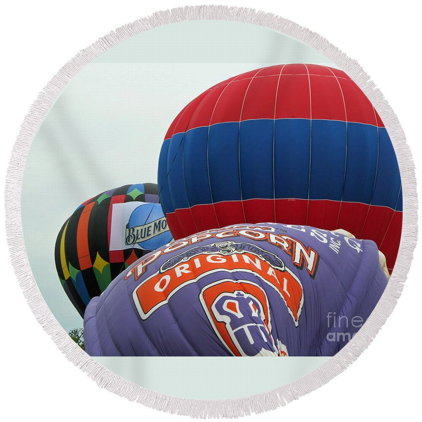 Hot Air Balloons Round Beach Towel featuring the photograph Inflating by Jamie Smith
