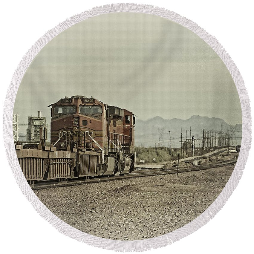 Bnsf Round Beach Towel featuring the photograph Into The Mojave by Jim Thompson