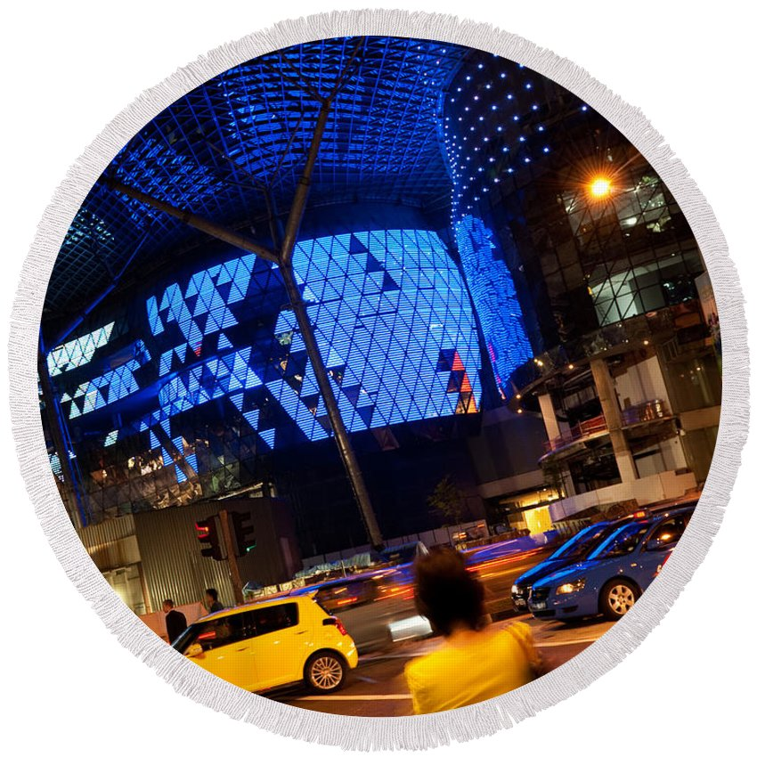 Singapore Round Beach Towel featuring the photograph Ion Orchard At Night 01 by Rick Piper Photography