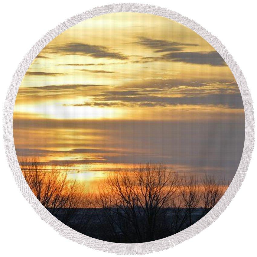 Panoramic Round Beach Towel featuring the photograph Iowa Sunrise Panorama by Bonfire Photography