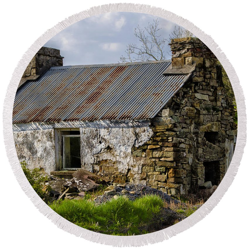 Irish Round Beach Towel featuring the photograph Irish Cottage Ruins by Bill Cannon