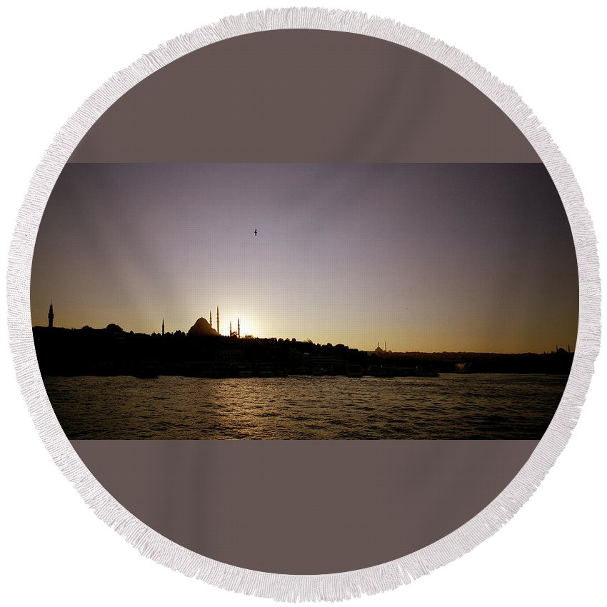 Istanbul Round Beach Towel featuring the photograph Istanbul Sunset by Shaun Higson