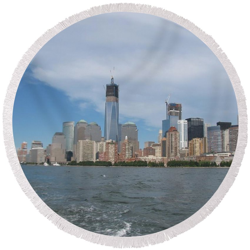 Jersey City Round Beach Towel featuring the photograph Jersey City And Hudson River by Zina Stromberg