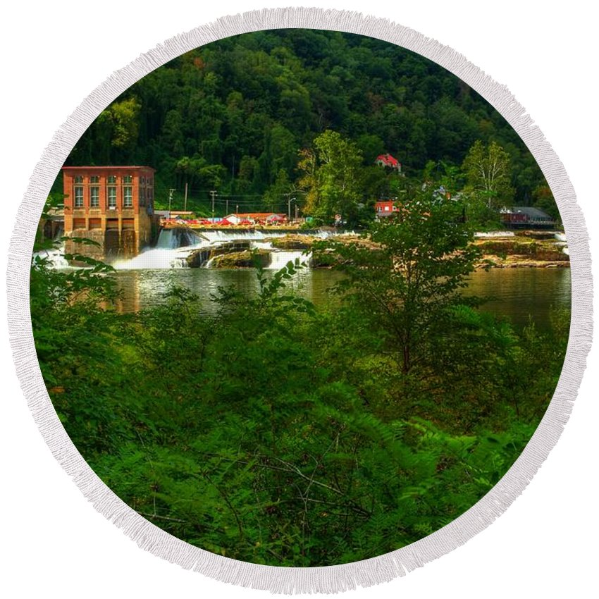 Kanawha Falls Round Beach Towel featuring the photograph Kanawha Falls by Dave Files