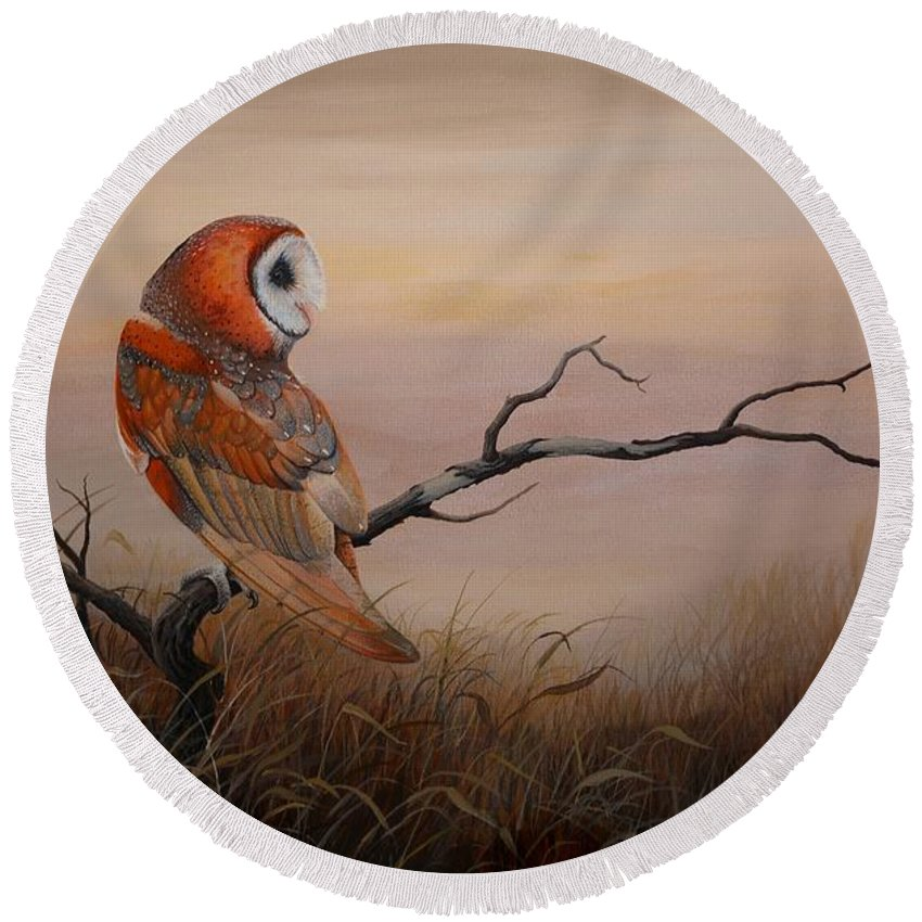 Barn Owl Round Beach Towel featuring the painting Keeper Of Dreams by Charles Owens