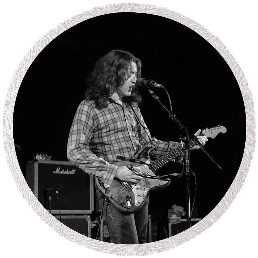 Rory Gallagher Round Beach Towel featuring the photograph Kent #68 by Ben Upham