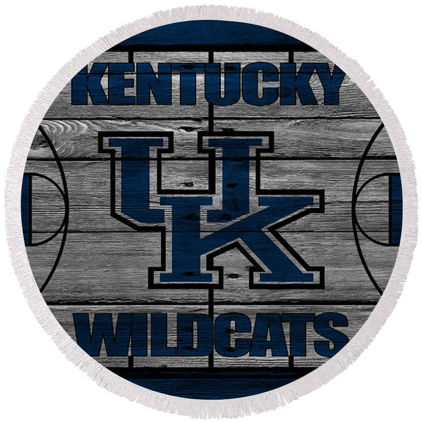 Wildcats Round Beach Towel featuring the photograph Kentucky Wildcats by Joe Hamilton