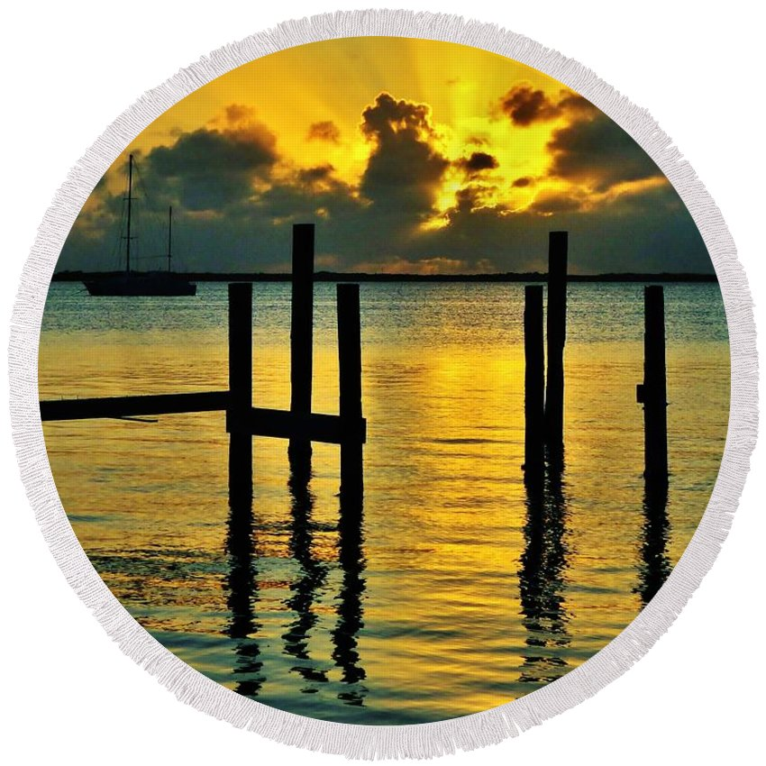 Florida Round Beach Towel featuring the photograph Keys Sunset by Benjamin Yeager