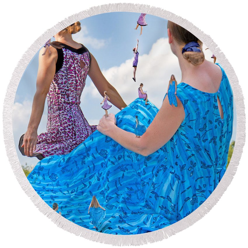 Betsy Round Beach Towel featuring the digital art Kinetics by Betsy Knapp